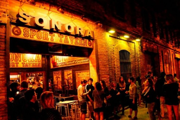 Sonora Sport Tavern en Bethenight.com Local de Copas en Carrer de Pamplona, Poblenou de Barcelona